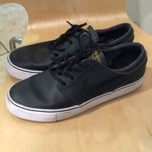 Nike Janoski shoes
